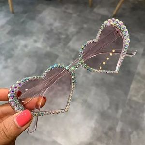 Accessories - Rhinestone Heart Sunnies (NEW)